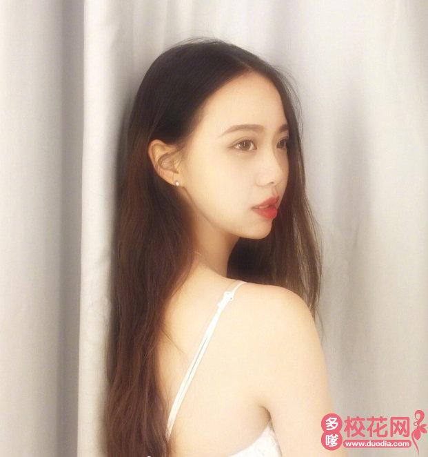 福建省安溪第一中学美女校花华筱玉写真图片