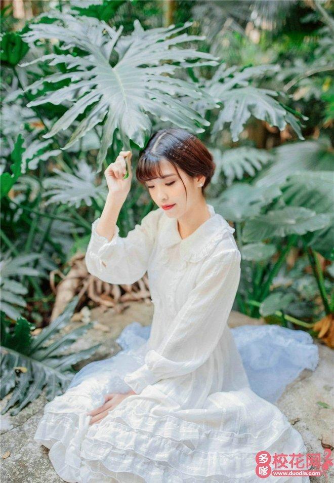 福建省安溪县第十七中学美女校花颜雨萱艺术照片