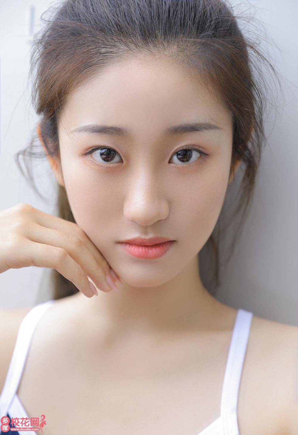 西山煤电集团公司第十中学美女校花卫静晓高清照片