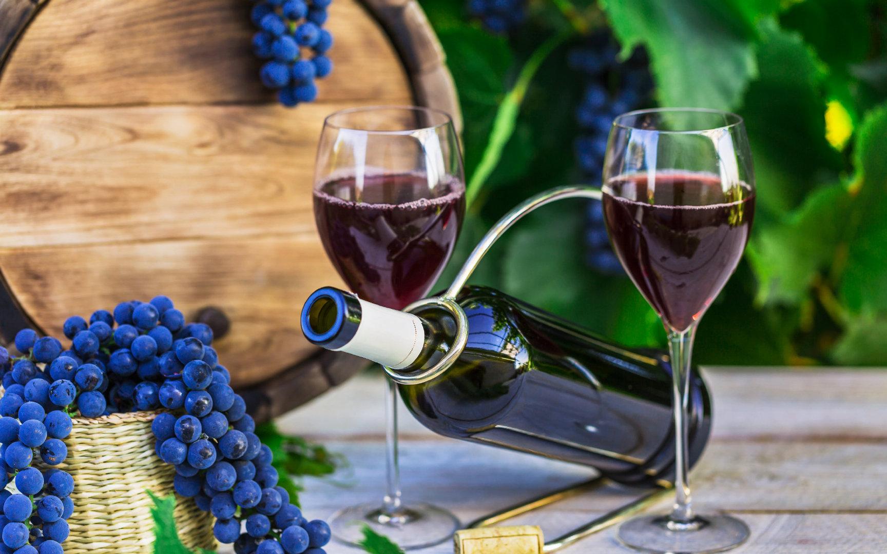 葡萄酿成的葡萄酒4K超高清壁纸图片