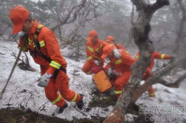 一山西游客在大理苍山洗马谭索道山顶吸了两天的新鲜空气