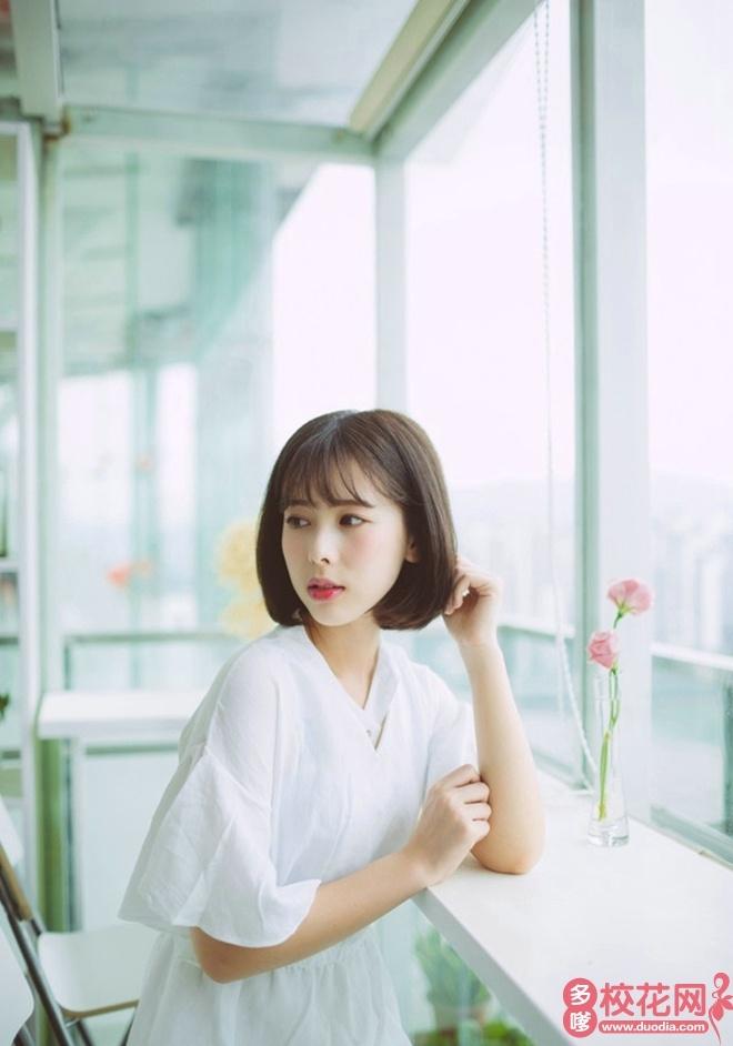桂林医学院2019级校花温娟