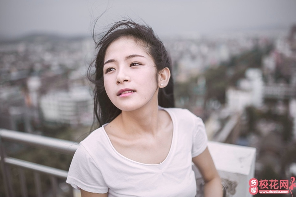黔南民族师范学院2018级校花潘慧