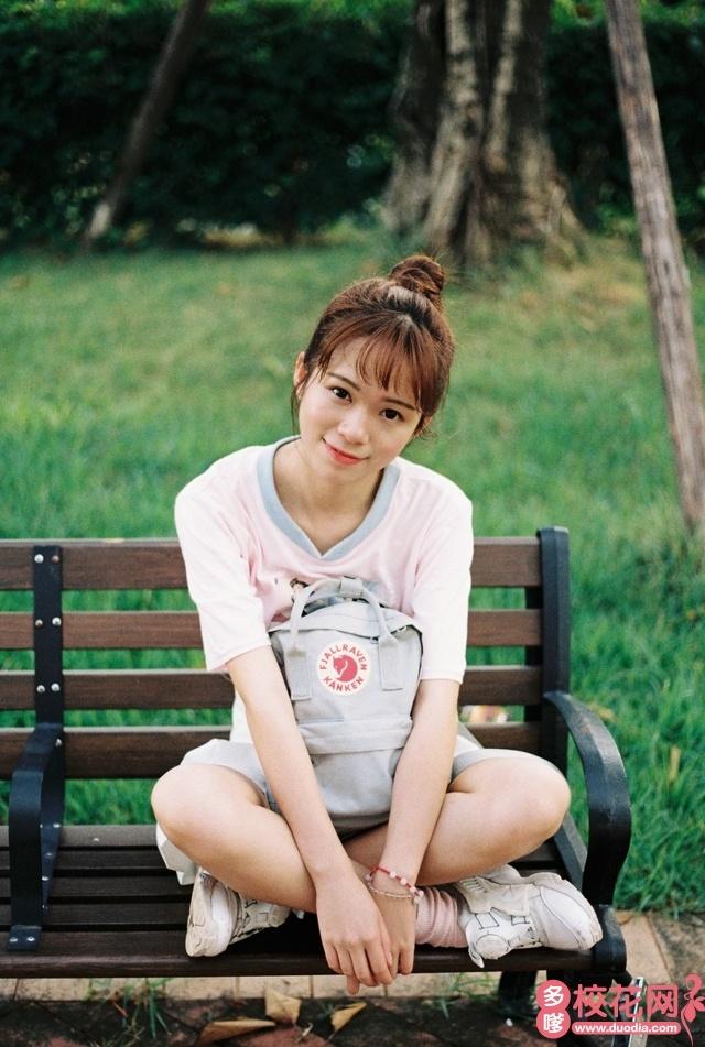 洛阳理工学院2018级校花李燕艺