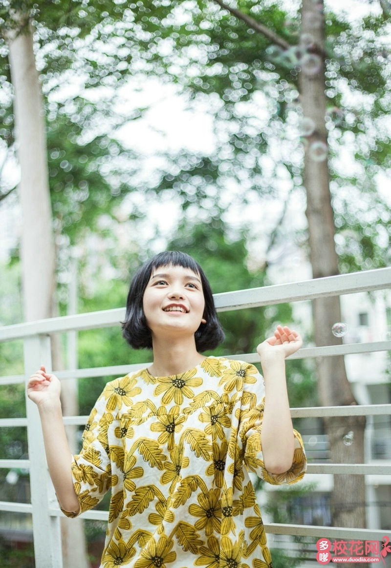 清华大学2018级校花贺青