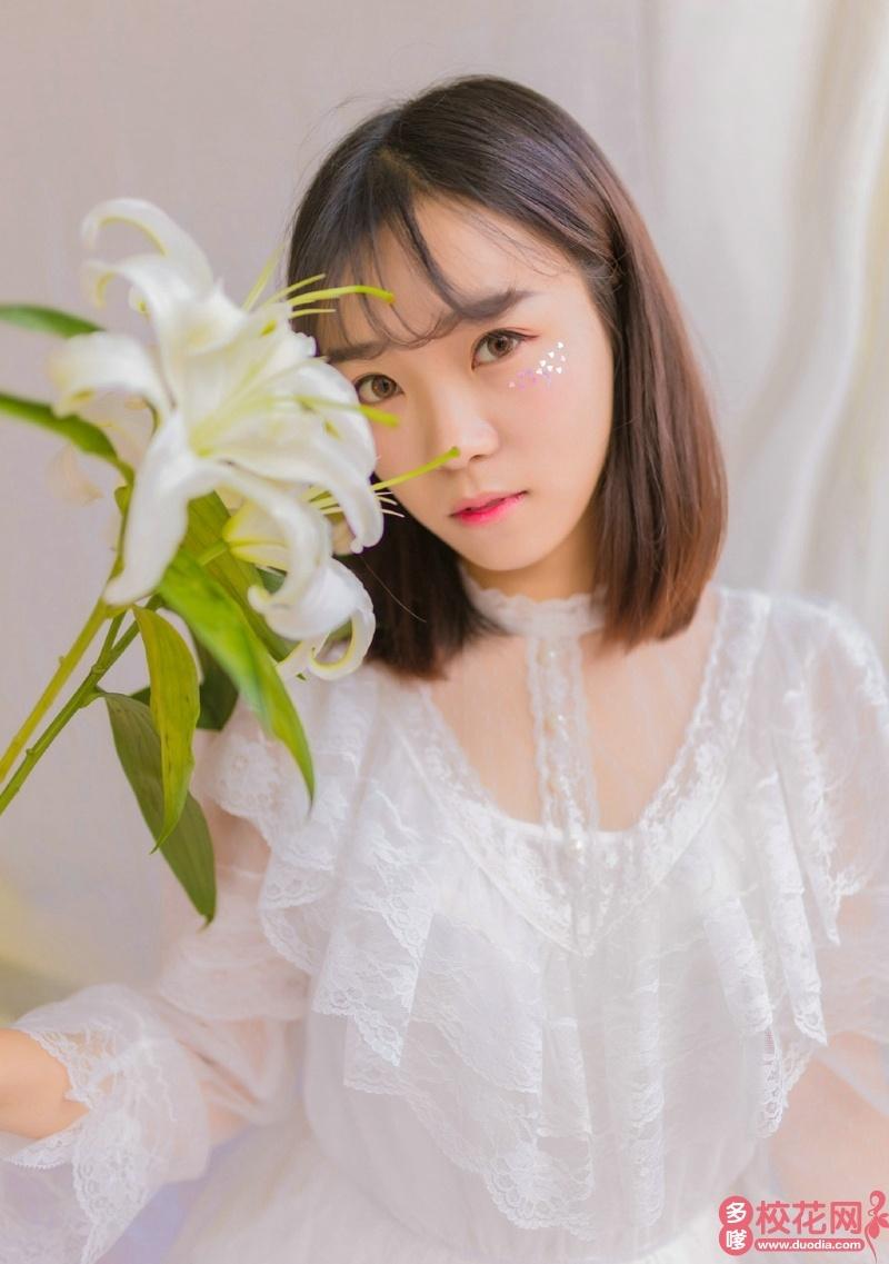 西南财经大学2018级校花蔡婧