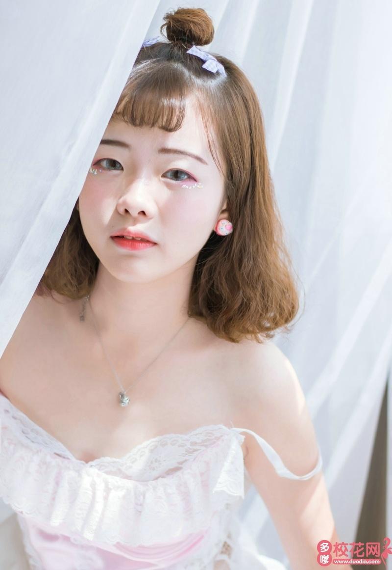 青岛理工大学2019级校花张贤英