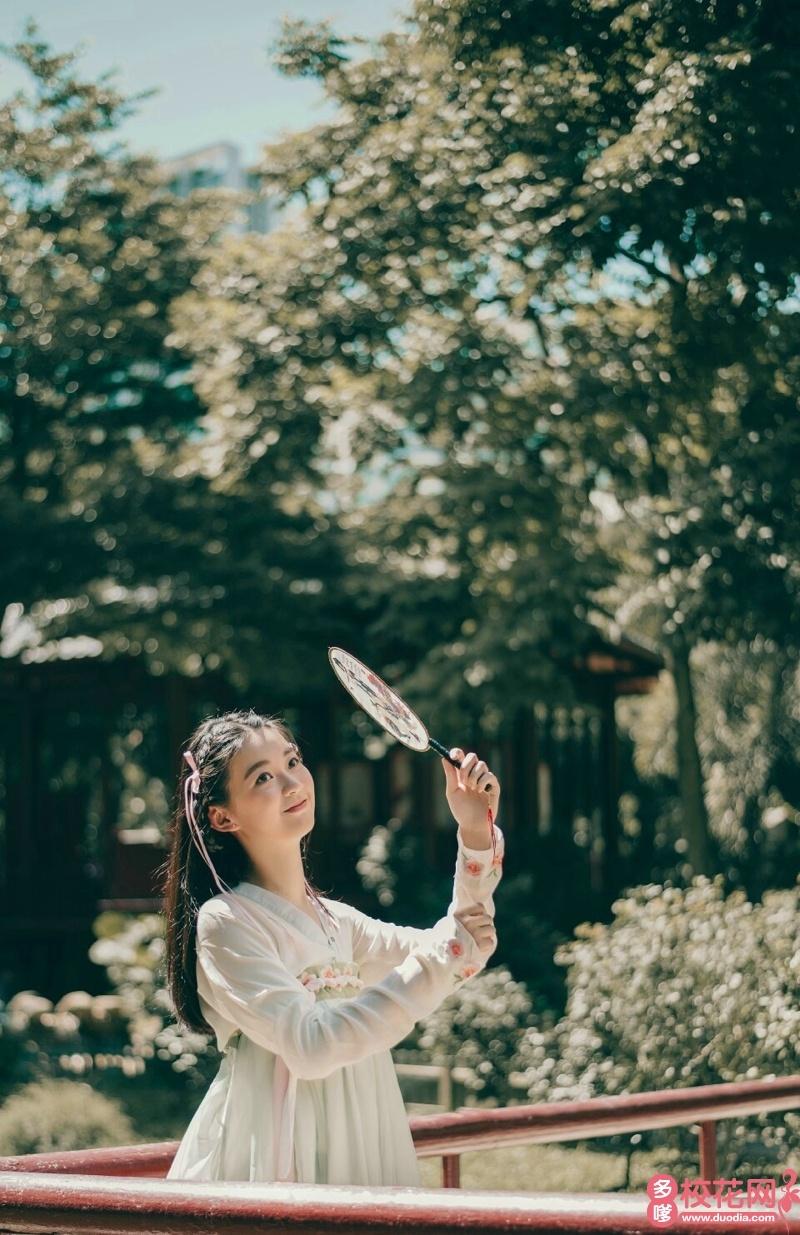 青岛农业大学2018级校花曹怡睿