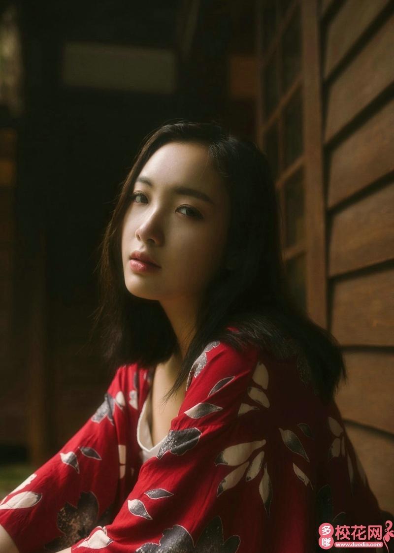 黑龙江工业学院校花陈秋凤