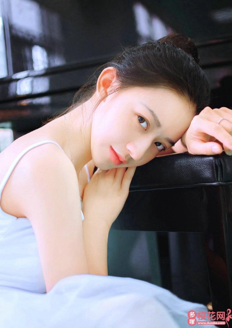 电子科技大学2018级校花唐林珊