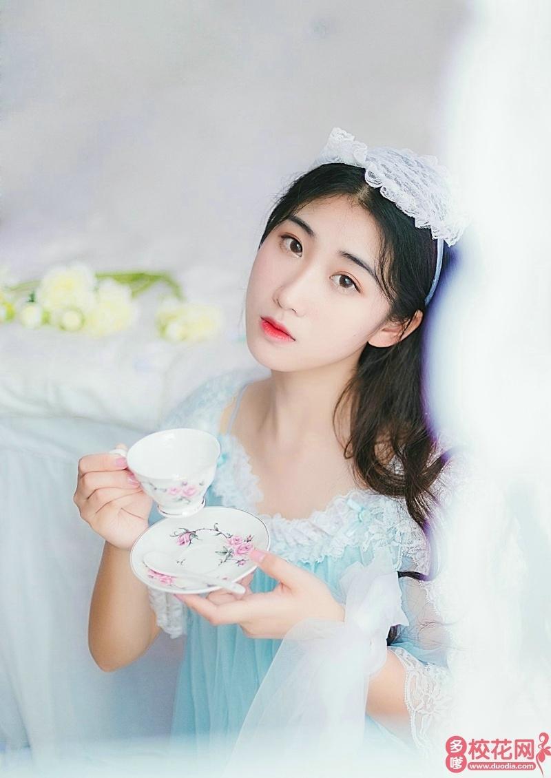 北京印刷学院2019级校花谭筱婷