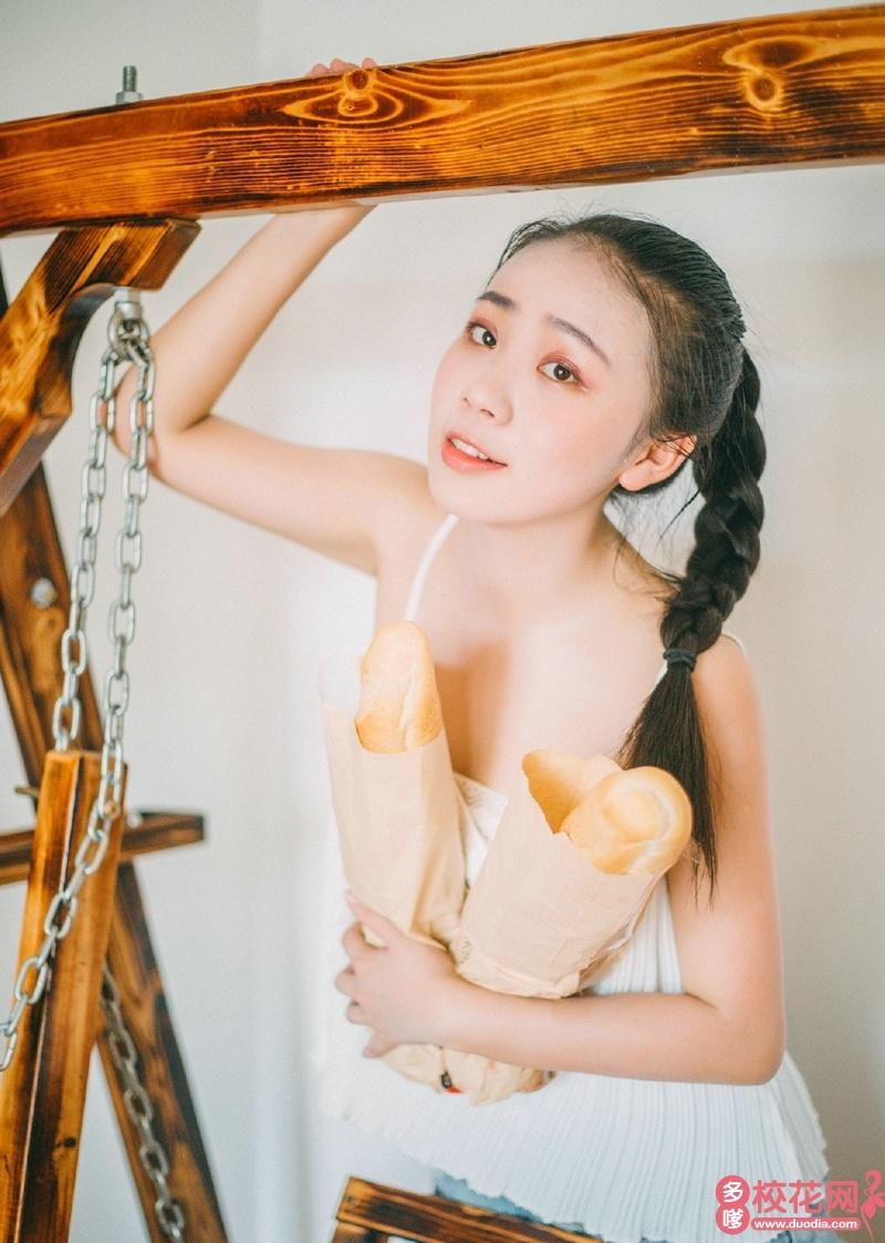 运城学院2019级校花张佳玲