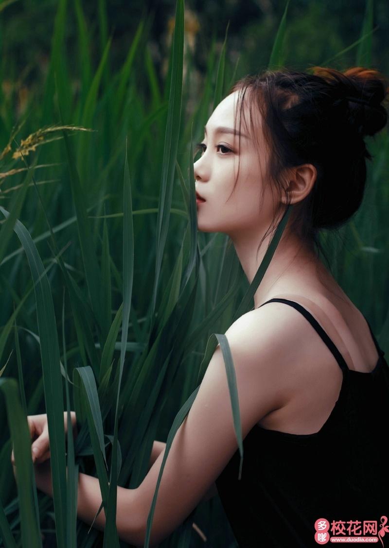天津天狮学院2018级校花陈碧霞