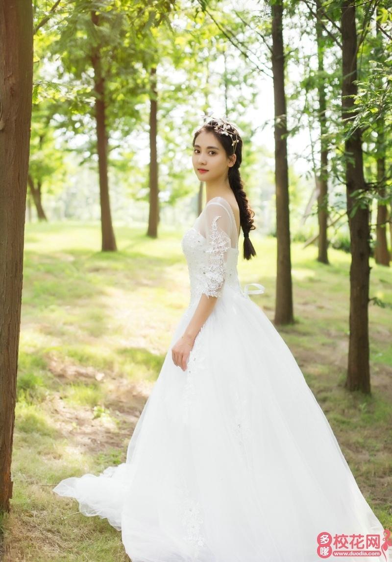 韶关学院2019级校花侯敏