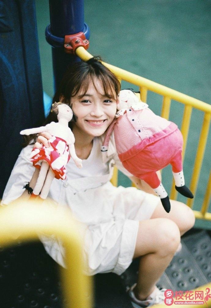 宁波大学科学技术学院2018级校花刘琴珏