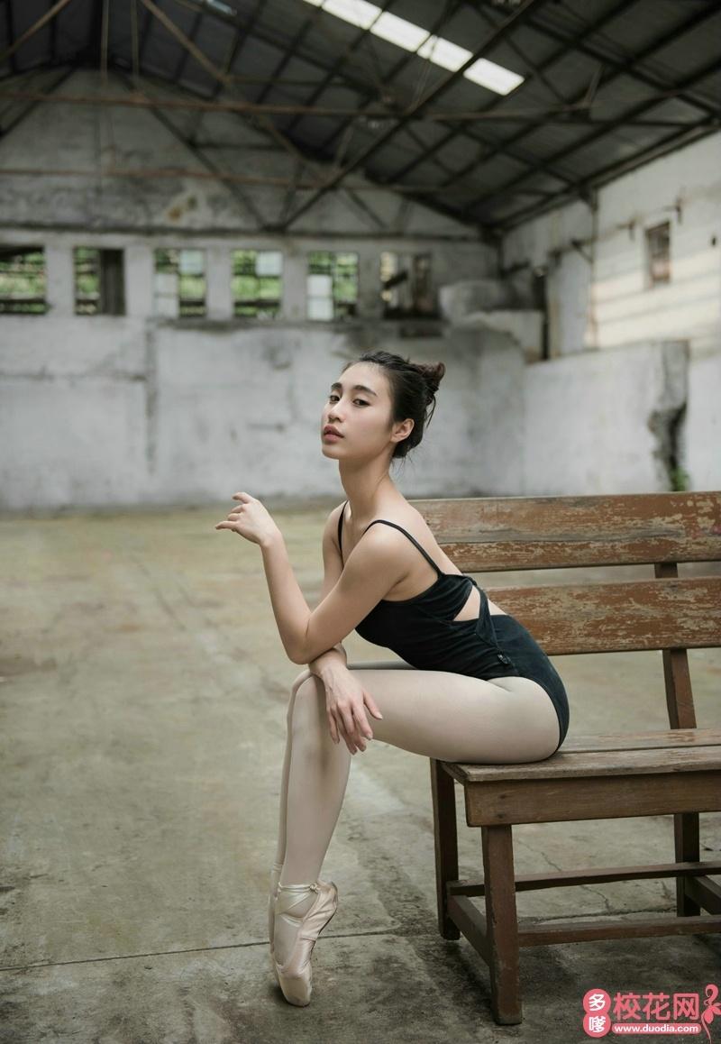 吉林化工学院2018级校花谢婷