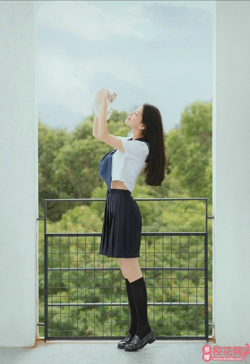 海南大学2018级校花彭晴