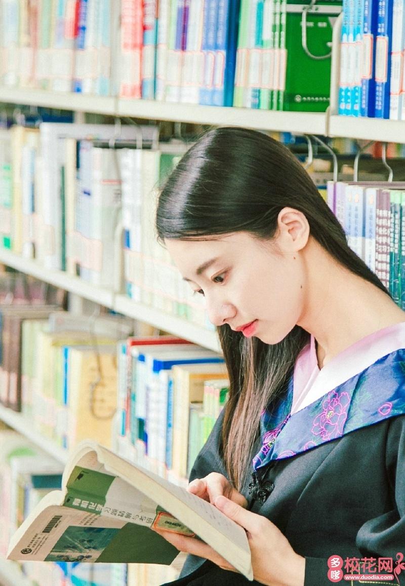 江西应用科技学院2018级校花吴臻芳