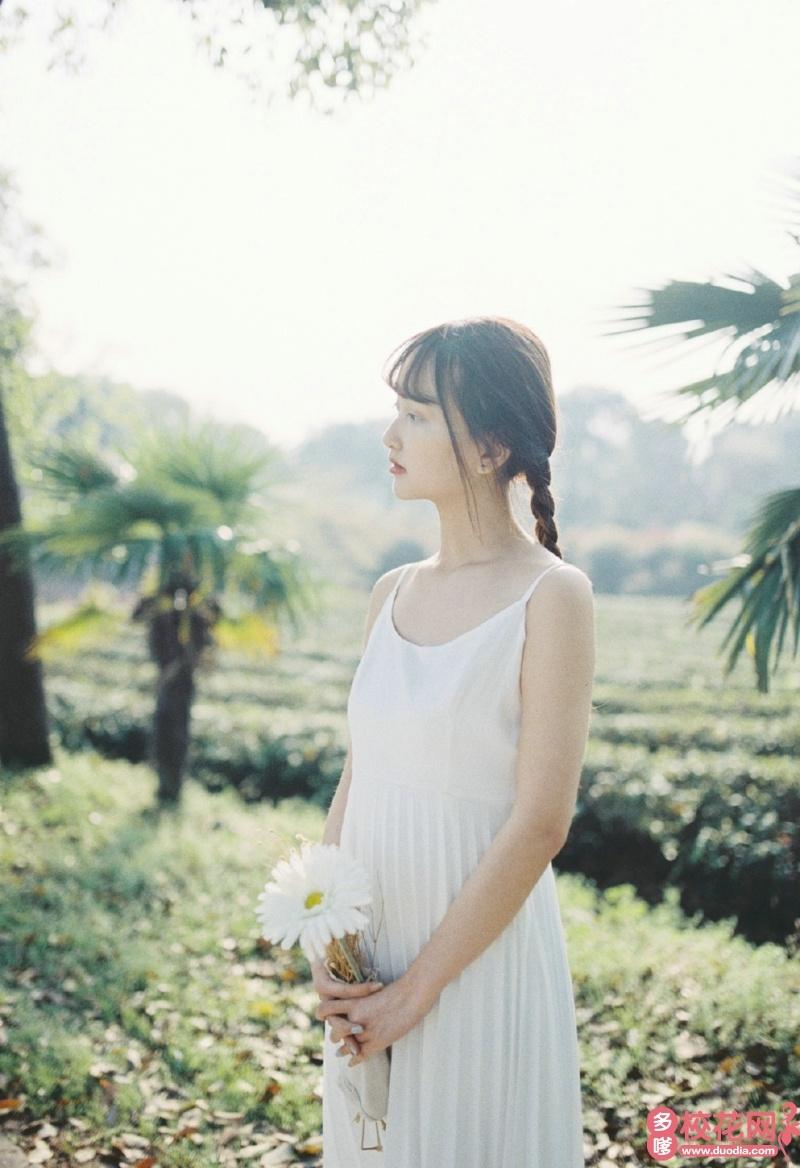 广州市蓝天中学2018级校花易与忻