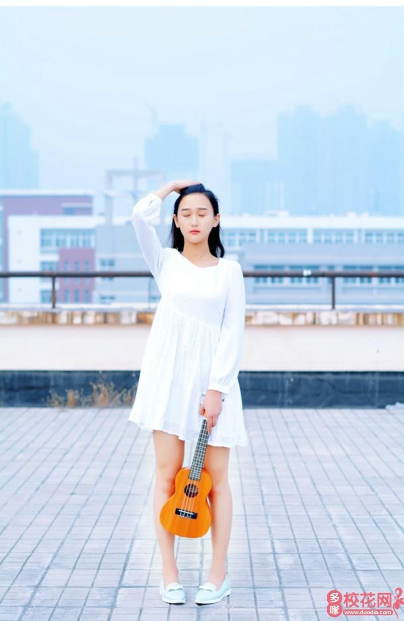 崇州市蜀城中学2018级校花洪筱寒