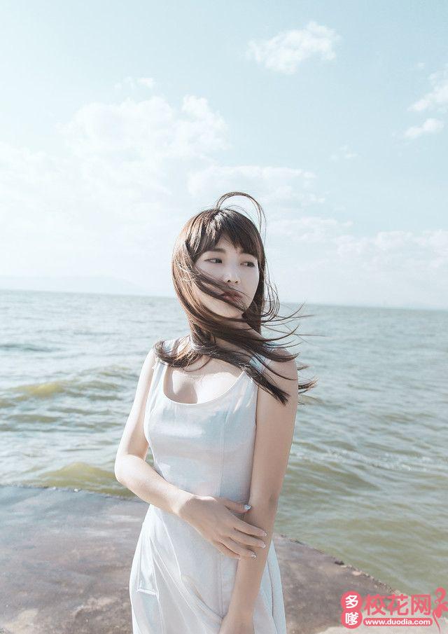 阳春市三甲中学校花何娟