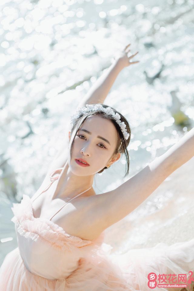 上海市漕新中学2018级校花郑琳