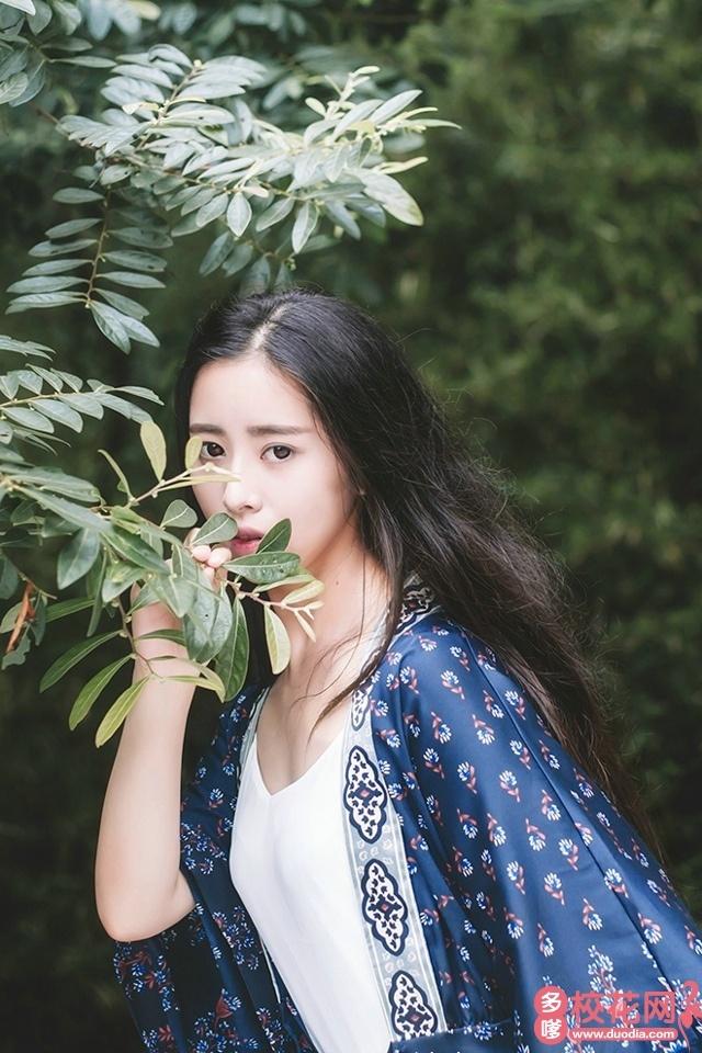宁乡县菁华铺乡界牌岭九年制学校2019级校花邱筱君