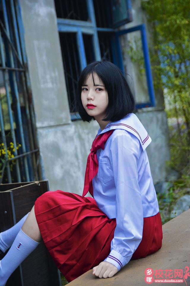 安庆二中校花林向樱子