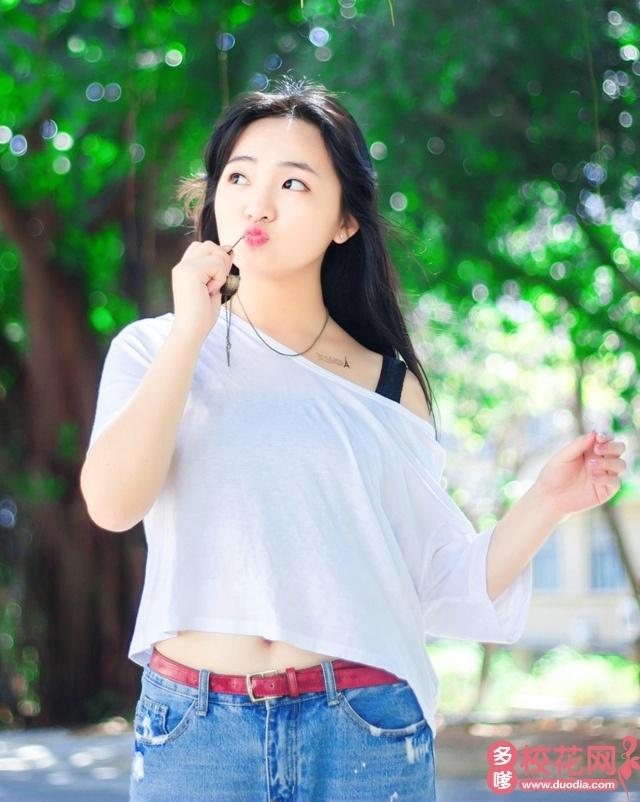 梅河口市第一中学2018级校花陈伟冰