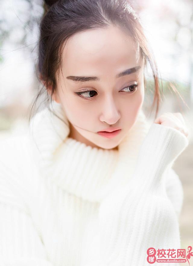 四川电影电视学院校花魏嘉丽