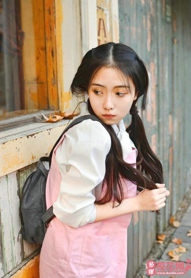 重庆师范大学校花吴瑾娇