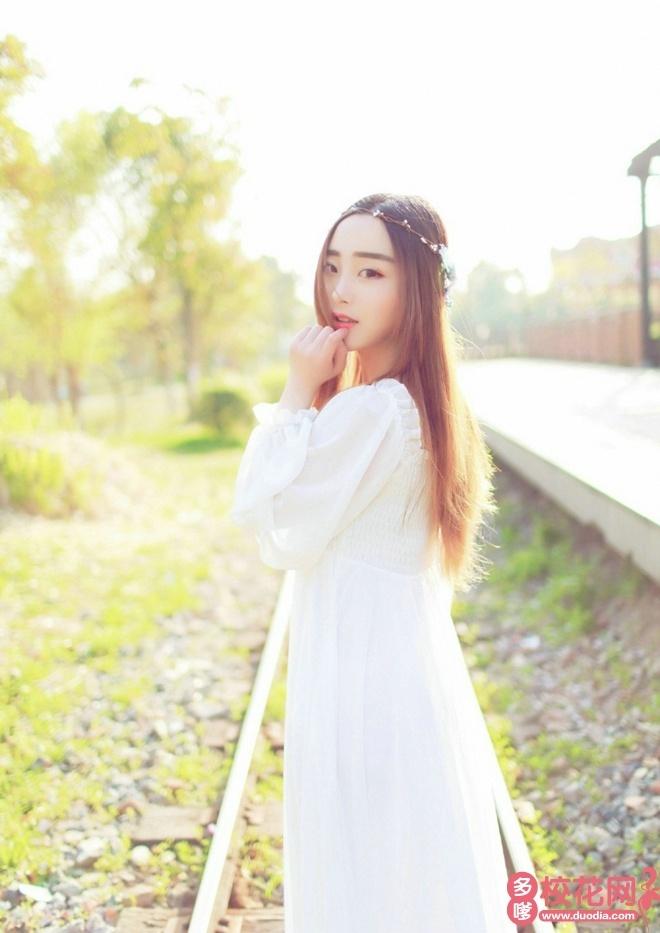 武汉市第十四中学校花李崇靓