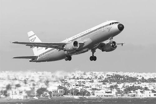 《气候变化》:全球热浪或致飞机无法起飞