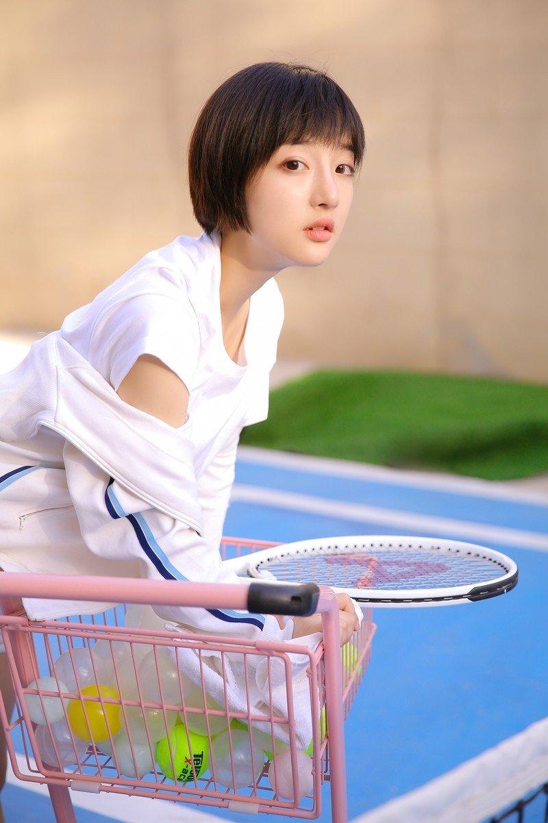 短发元气网球美女清纯炙热身材阳光活力户外写真照片