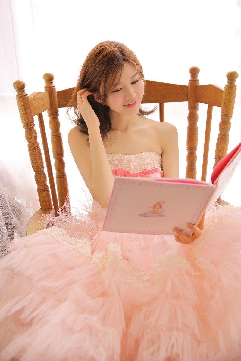 粉色公主裙少女甜美梦粉嫩清纯萌妹子写真