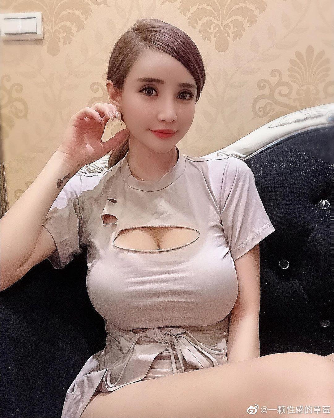 台湾嫩模IG网红妹元欣,拥有横看成岭侧成峰的傲人身材-第6张图片-宅小报