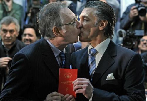 同性婚姻合法化丨居然有超过40万人的支持,宝宝惊呆了