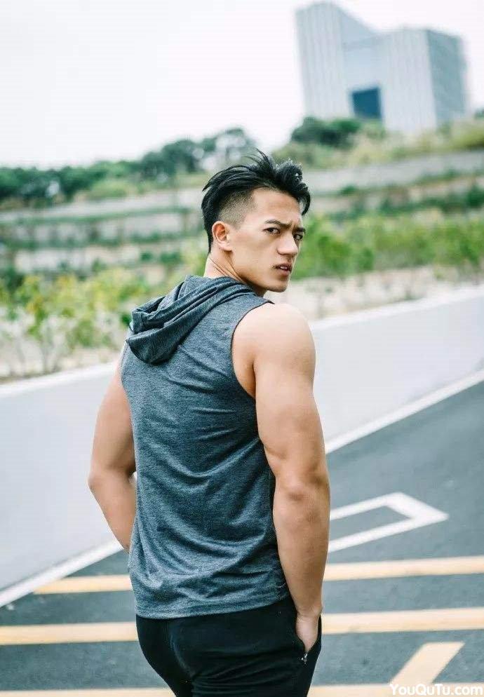 谢梓秋新宠性感肌肉帅哥男体艺术写真