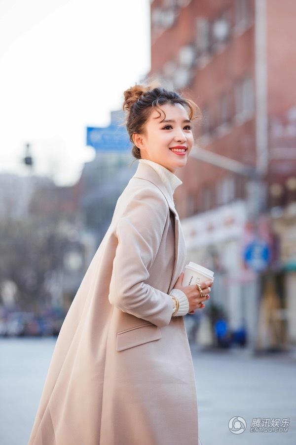 张杨果而街拍大片造型干练 演绎精英女性[6P]