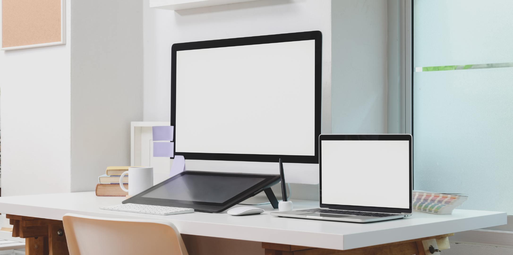 办公桌上白屏的Mac苹果电脑高清壁纸大全