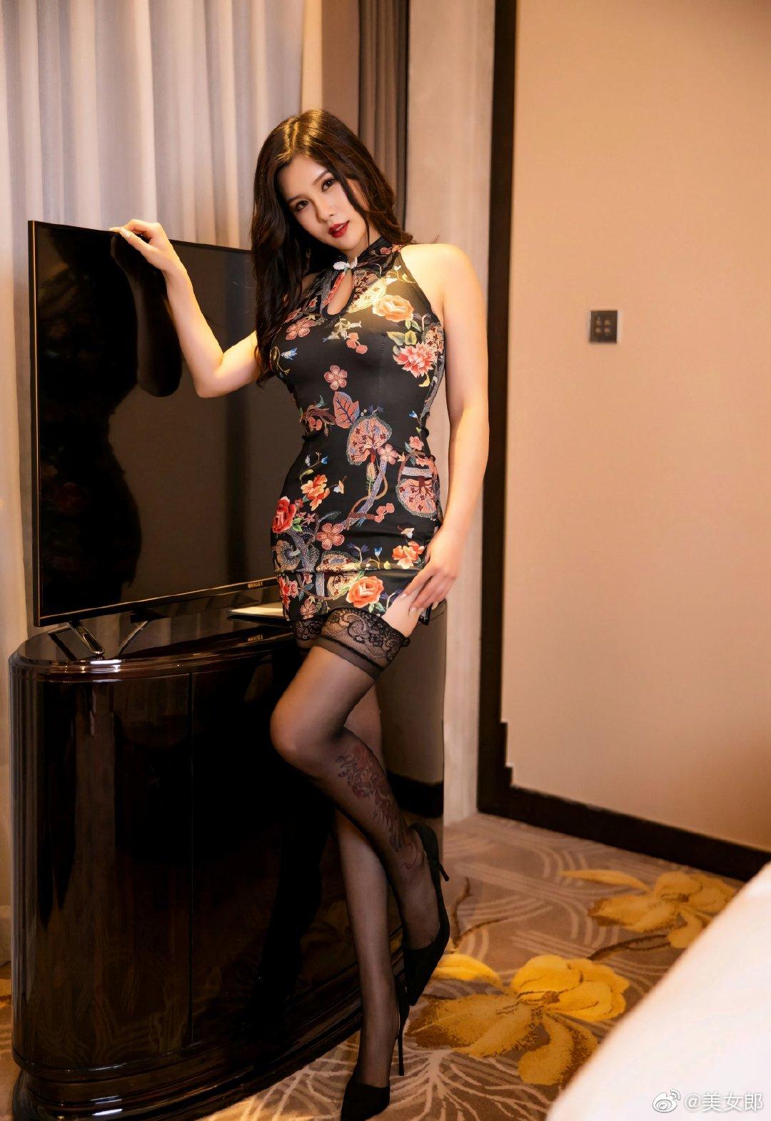 XIAOYU语画界模特周思乔Betty古典旗袍写真