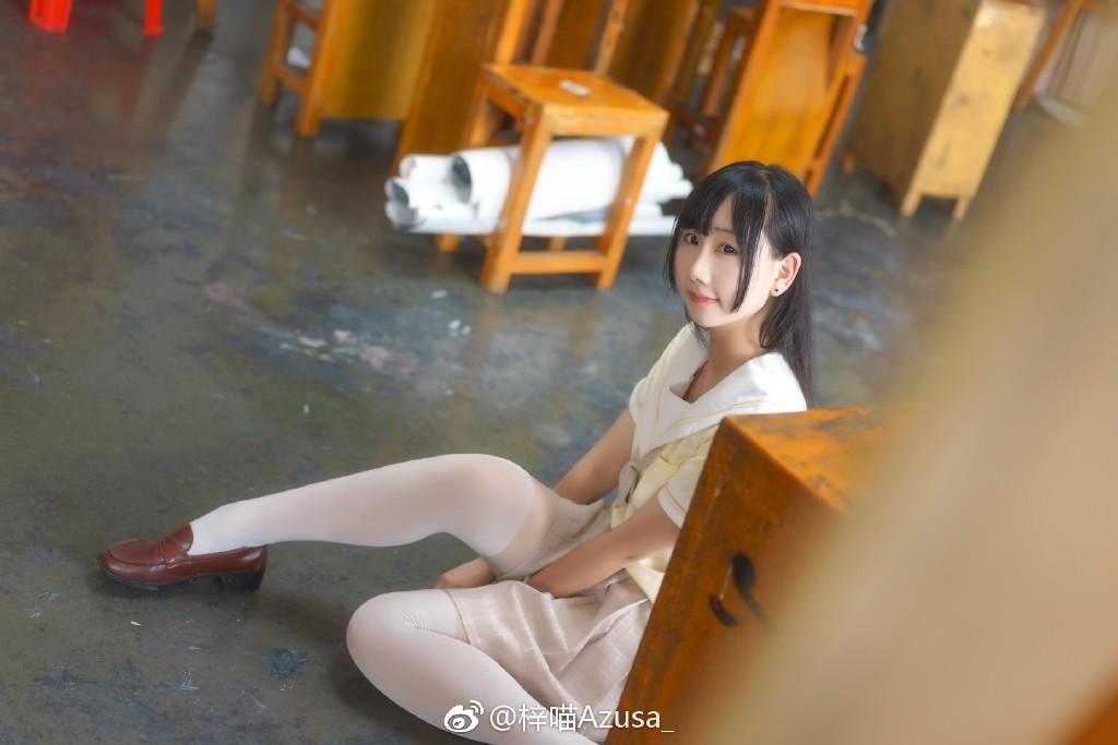 今日微博妹子图推荐@梓喵Azusa_ 小萌妹也是可以性感的