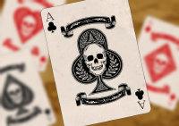 书桌上的扑克纸牌高清特写图集