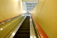方便快捷的自动扶梯高清桌面壁纸