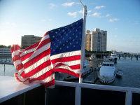 一碧苍穹下随风飘扬的美国国旗高清图集