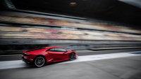 红色的兰博基尼LP610-4胡拉卡跑车广告图片