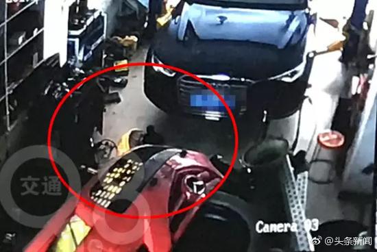 女子偷偷溜进修车行,30秒不到生下男婴后跑了