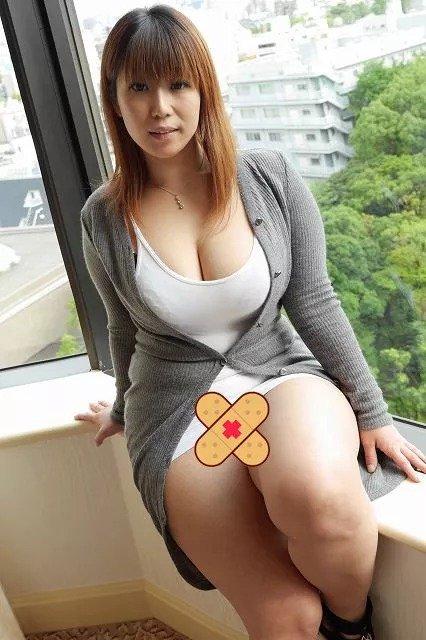 肉嘟嘟的可爱阿姨 — 叶月奈穗