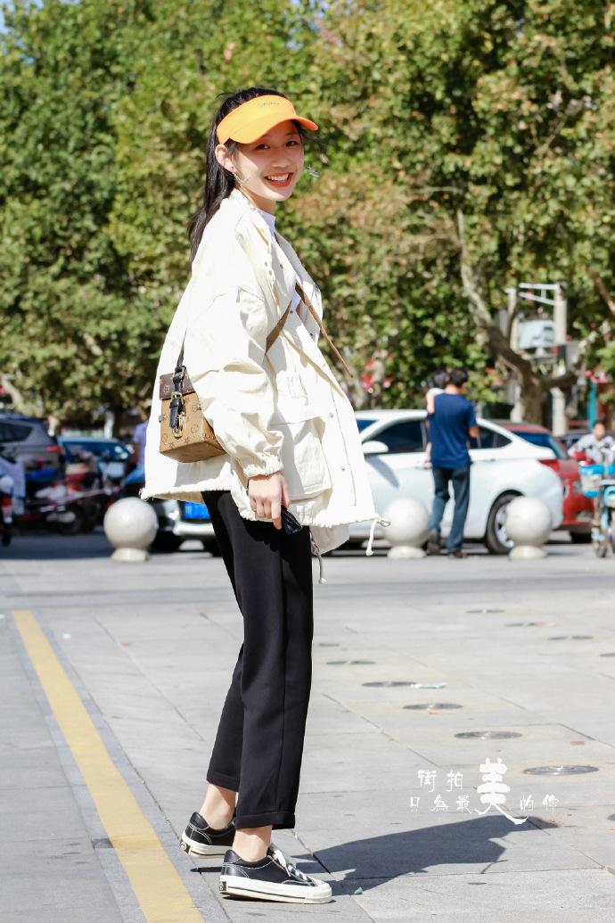 街拍美女:如何拍出大长腿,你学习到了吗?