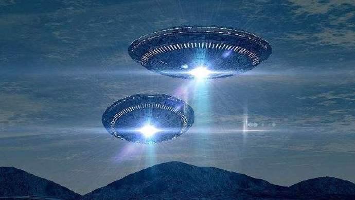 """""""这世界上真的有外星人吗"""" """"有"""""""